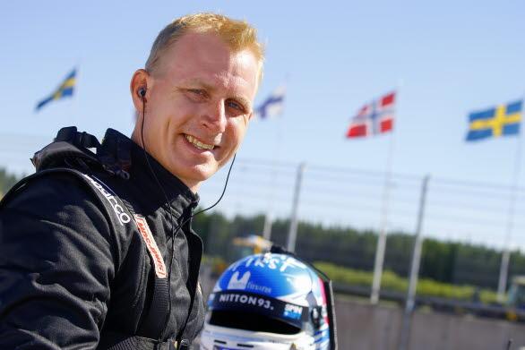 Richard Göransson, vd för Gelleråsen Arena, vid ett inhopp som gästförare i Porsche Carrera Cup Scandinavia 2017.