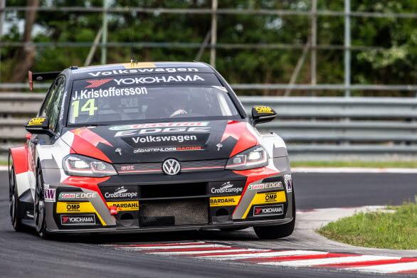Johan Kristoffersson plockade sina första poäng i WTCR vid deltävlingen i Ungern.