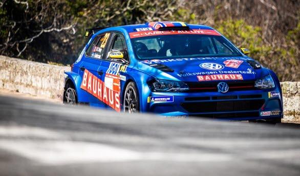 Ole Christian Veiby och co-drivern Jonas Andersson låg trea i WRC 2-klassen när det tog stopp mot en sten i Rally Korsika.