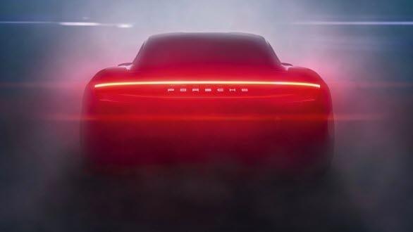 Porsche Taycan har redan 20 000 kunder på kundlistan.