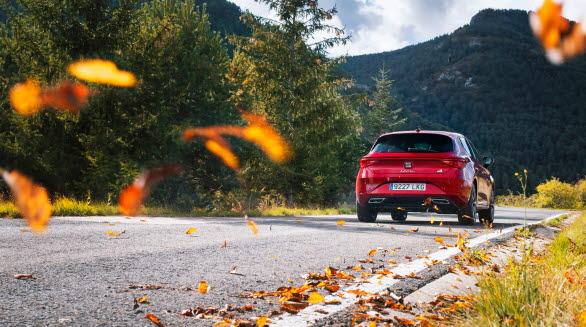 Tack vare SEAT Leons dynamiska chassireglering (DCC), kan bilens kör- och vägegenskaper förändras beroende på de aktuella förhållandena och förarens önskemål.