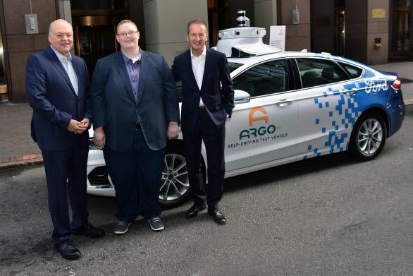 Fords VD Jim Hackett, Argo AI:s VD Bryan Salesky och VW AG:s VD Herbert Diess