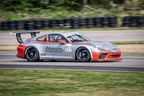 Gästförarprogrammet i Porsche Carrera Cup Scandinavia har rekryterat en rad förare från motorsportens stjärnhimmel. Bl.a. Formel 1-världsmästaren Jacques Villeneuve och racevinnande Indycar-föraren Felix Rosenqvist. Porsche Sverige presenterar idag ytterligare en spektakulär värvning. I årets säsongspremiär kommer gästbilen med startnummer 911 att köras av mångfaldige svenske mästaren Fredrik Ekblom.