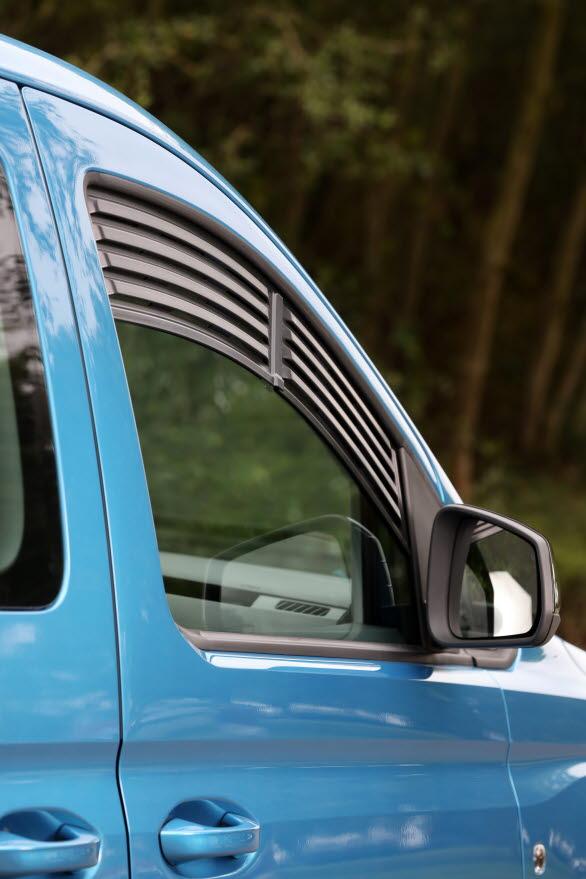 Ett nytt system tillåter ventilation genom framrutorna under natten.