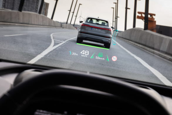 Audi Q4 e-tron med augmented reality head up-display