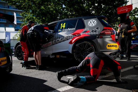 Johan hoppas att han och Sébastien Loeb Racing kan göra ett bra resultat i Kina.