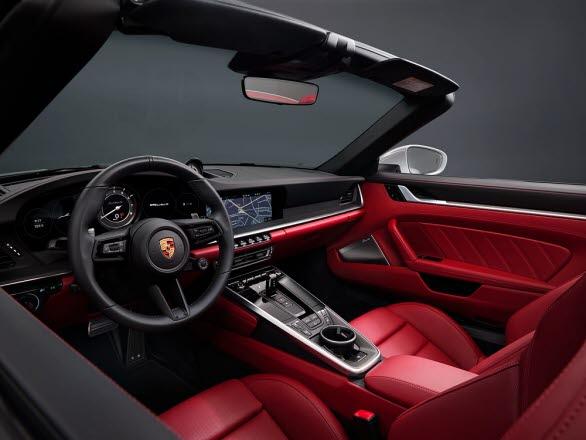 Interiören i nya Porsche 911 Turbo S Cabriolet