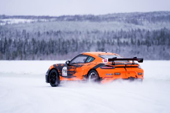 Just nu pågår kickoff inför Driver Development Programme 2020 i Åre där Porsche Motorsport och ett team av professionella instruktörer möter årets förare. Under tre intensiva träningsdagar med avancerad bilkörning på is, e-learning, föreläsningar och längdskidåkning läggs grunden för det utvecklingsarbete som fortlöper hela den kommande racingsäsongen.