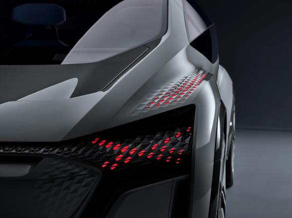 LED-ljus som kommunicerar med omgivningen i Audi AI:ME