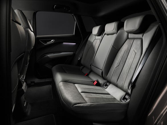 Rymligt baksäte i eldrivna Audi Q4 e-tron