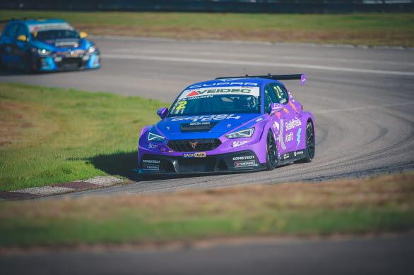 CUPRA Dealer Team - PWR Racing leder både förar- och teammästerskapet inför årets näst sista STCC TCR Scandinavia-tävlingshelg. Foto: Oscar Malmlund