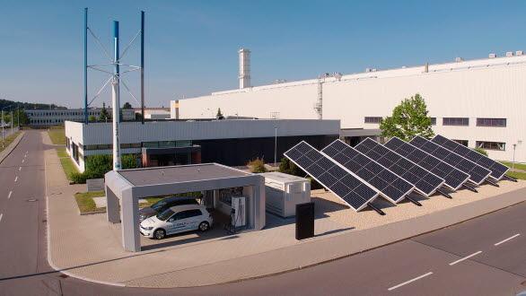 Anläggningen omvandlas nu för att kunna tillverka elbilar med en helt neutral koldioxidbalans över hela leverans- och produktionskedjan.