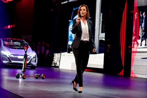 Hildegard Wortmann, Försäljnings- och Marknadsdirektör i AUDI AG:s ledning