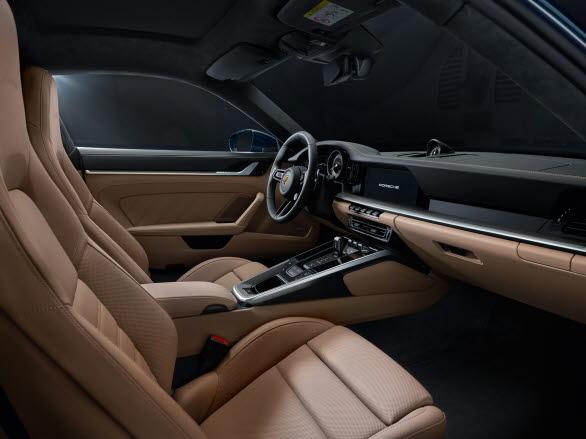 Interiören i nya Porsche 911 Turbo