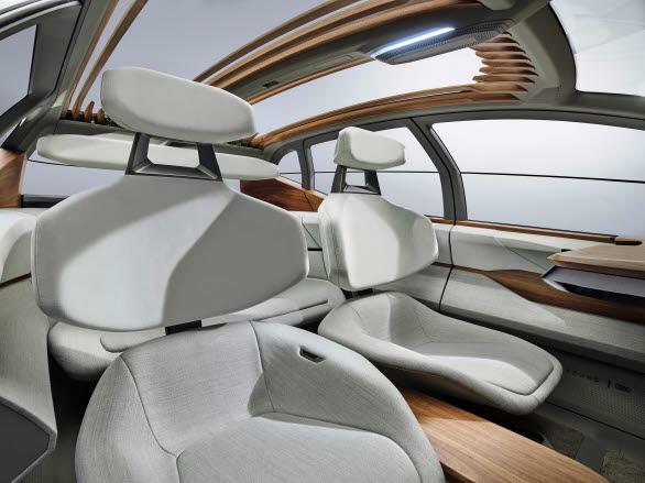 Ljus och luftig interiör i Audi AI:ME