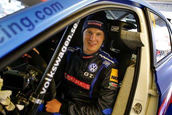 Tillbaka i rallybilen! Johan Kristoffersson gör under helgen debut på grus när Rally Sörland avgörs i Norge. Foto: Tony Welam.