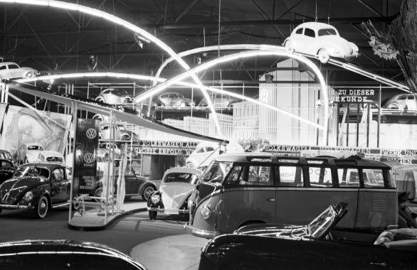 Volkswagens monter på IAA i Franfurt 1951