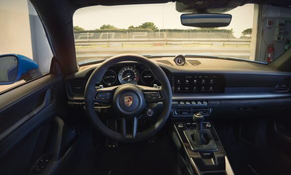 Interiören i nya Porsche 911 GT3.