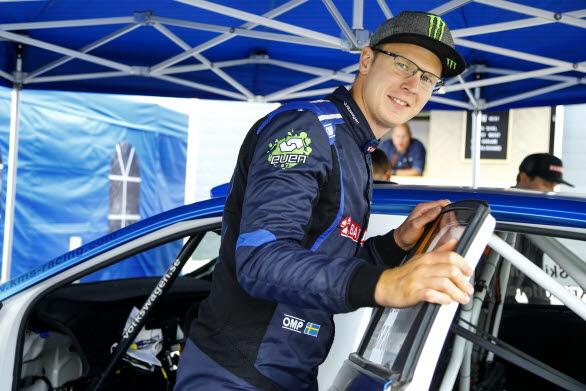 Johan Kristoffersson bedrev en vild jakt på östgötska vägar i East Sweden Rally.