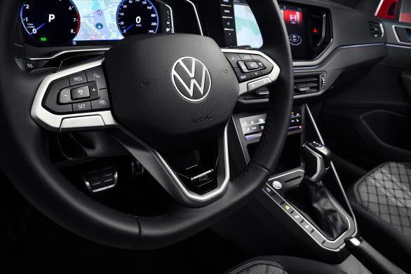 IQ.DRIVE Travel Assist kan hjälpa till vid inbromsning, styrning och acceleration när föraren så vill.