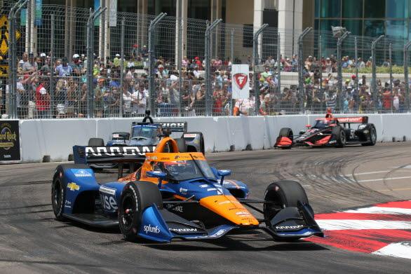 – Det ska bli jättekul att få tävla hemma i Sverige igen, säger McLaren Arrow SP-föraren Felix Rosenqvist, som kommer direkt  från Indycar-avslutningen i Long Beach till finalhelgen av Porsche Carrera Cup Scandinavia på Mantorp Park.
