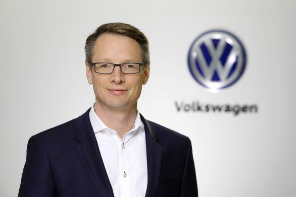 − Vårt mål är att utveckla Volkswagen till en leverantör av mobilitet med en helt uppkopplad fordonsflotta, säger Christoph Hartung.