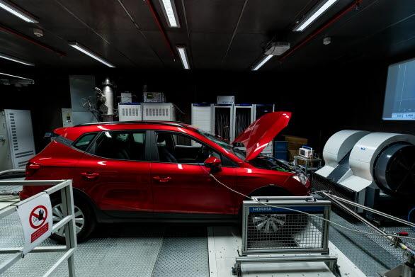 Anläggningen möjliggör tester på el-, hybrid, gas- och förbränningsmotorer för att säkerställa att de uppfyller alla gällande krav.
