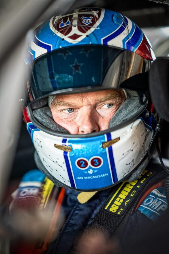 Jan Magnussen har tillhört världseliten i racing sedan 90-talet. Han kommer senast från en 16 år lång sejour som fabriksförare för Corvette. Resultatlistan innehåller bland annat fyra klassegrar i Le Mans 24-timmars, fem klassegrar i 12-timmars på Sebring, en klasseger i Daytona 24-timmars samt dubbla mästerskapssegrar i både American Le Mans Series och IMSA SportsCar Championship.