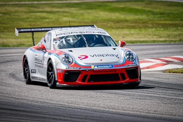 Ytterligare en internationellt meriterad toppförare ansluter till Porsche Carrera Cup Scandinavia på Falkenberg. Det handlar om norske WRC-stjärnan Andreas Mikkelsen som gör comeback i serien efter tidigare gästspel under säsongen 2017. Han kör Porsche Sveriges klassiska gästbil med startnummer 911.