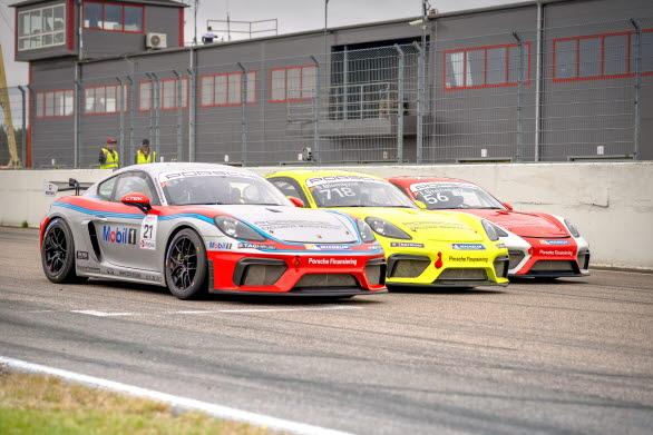 Succé direkt för Porsche Sprint Challenge Scandinavia! Ny officiell instegsklass från Porsche Motorsport i skandinavisk racing med fabriksbyggda racerbilar och professionell organisation. Serien har fått ett enormt gensvar från förare och team inför debutsäsongen 2021. Startfältet har redan 25 förare.