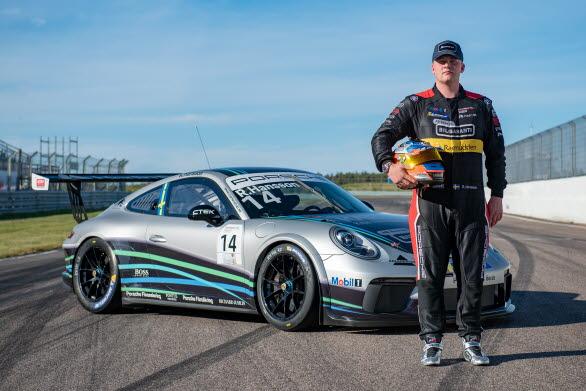 Robin Hansson tog tre segrar av fyra möjliga under årets två första tävlingshelger i Porsche Carrera Cup Scandinavia. Nu får han visa vad han kan i Porsche Mobil 1 Supercup.