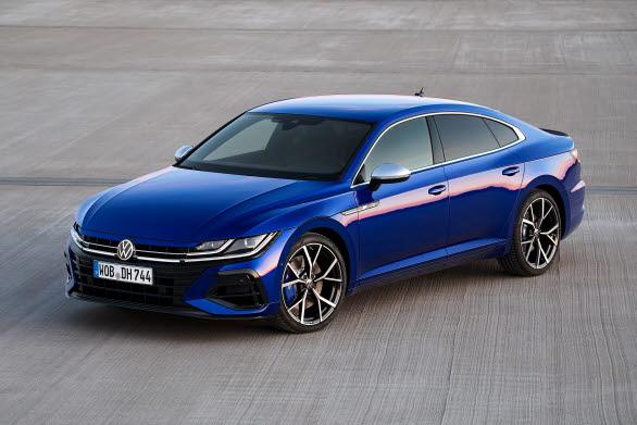 R-versionerna levererar 320 hk och 420 Nm.