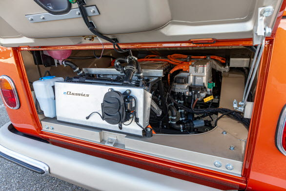 Med ett vridmoment på 212 Nm är den eldrivna e-BULLI mer än dubbelt så stark som originalet