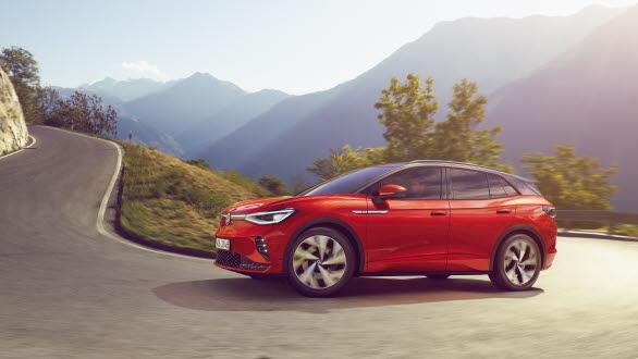 ID.4 GTX klarar accelerationen från 0 till 100 km/h på 6,2 sekunder och topphastigheten ligger på 180 km/h.