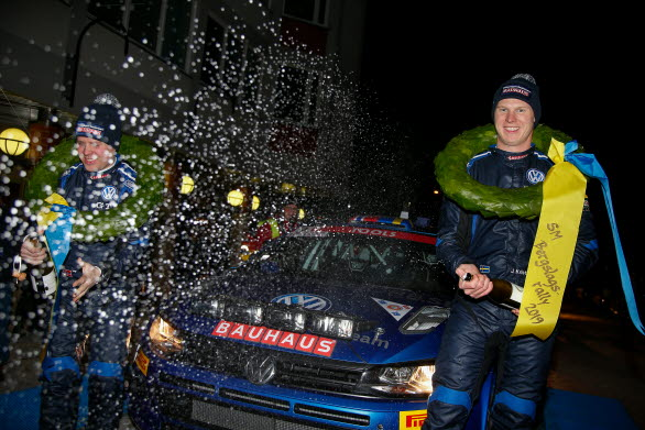 En van skumpasprutare är han Johan Kristoffersson, men inte i rallysammanhang. Nu blev det seger i SM-premiären.