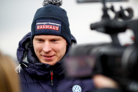 Johan Kristoffersson stod i centrum när Sandvikens Motorshow avgjordes under fredagskvällen. Värmlänningen tog hem segern i duelltävlingen.