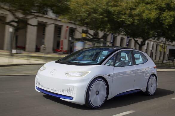 Volkswagen ID. är först ut i den nya generationen elbilar och gör entré på marknaden år 2020.