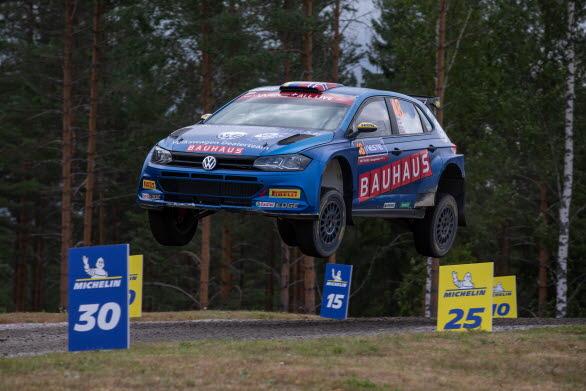 Johan Kristoffersson klättrade högre och högre i resultatlistan i Rally Finland.