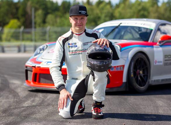 – Jag vet vad det innebär att tävla på den här nivån och hur mycket tid förarna lägger på sin sport, säger Emil Öhman. Entypsracing innebär dessutom att samtliga förare i startfältet är specialister på sina 911 GT3 Cup och i det avseende är jag nybörjare. Det här blir en stor utmaning.