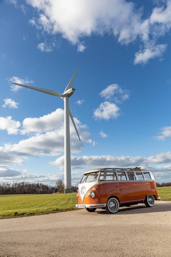 Med den nya elektriska drivlinan kan e-BULLI komma upp i 130 km/h