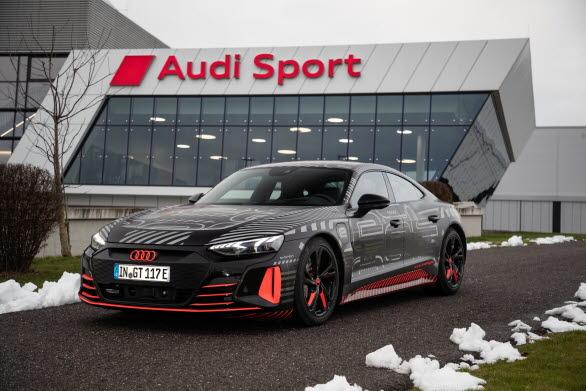 Tillverkningen av eldrivna Audi e-tron GT har startat. Lansering under våren 2021.