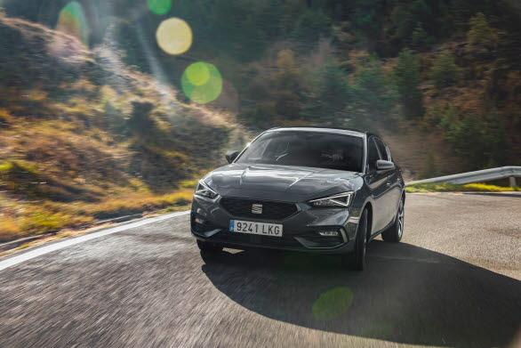 Tack vare kombinationen förbränningsmotor och elmotor, landar bilens CO2-utsläpp på 28 g/km.