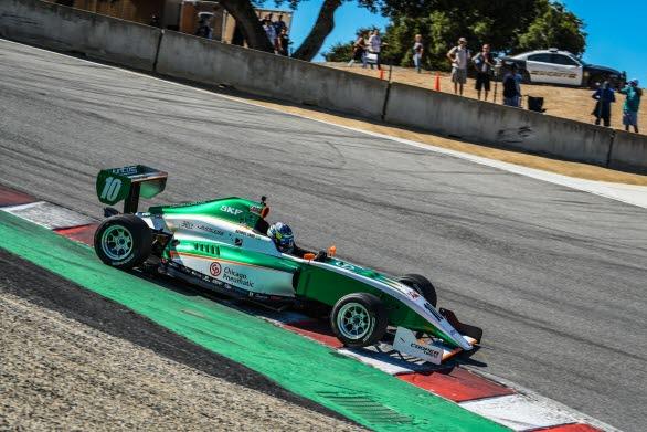18-årige Rasmus Lindh kör genom den världsberömda Corkscrew-kurvan på väg mot seger i årets Indy Pro 2000-tävling på Laguna Seca. Till helgen kommer han till start i finalen av Porsche Carrera Cup Scandinavia på Mantorp Park