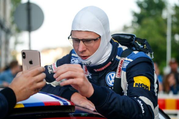 Johan Kristoffersson lär sig steg för steg, detalj för detalj, hur han ska närma sig världstoppen i rally.