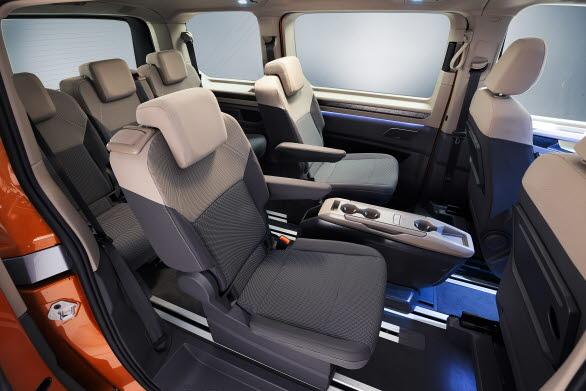 Nya Multivan rymmer upp till 7 personer, och alla sitter i individuella stolar
