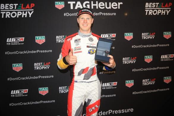 Johan Kristoffersson bärgade första segern i sin WTCR-karriär.