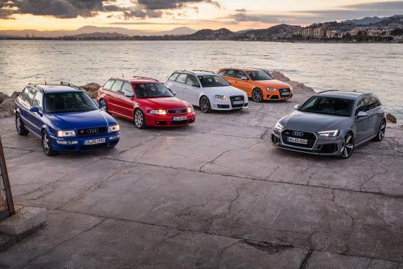 Audi RS 2 Avant med 4 generationer Audi RS 4 Avant