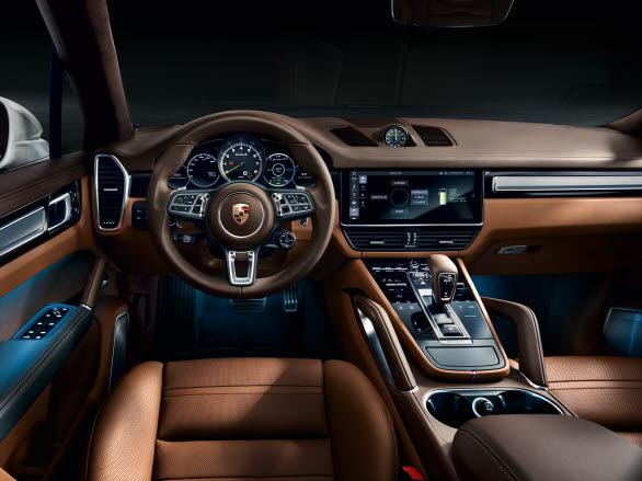 Interiören i nya Porsche Cayenne Turbo S E-Hybrid.