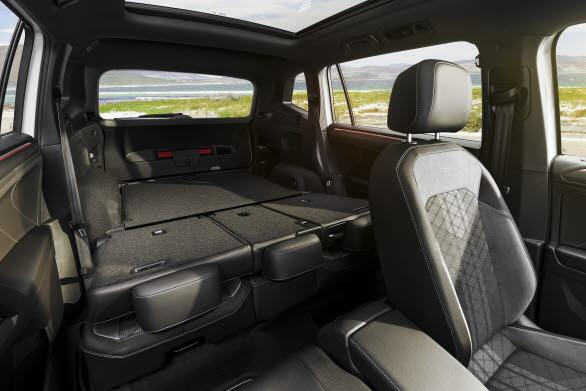 Det 5-sitsiga utförandet ger en bagagevolym på mellan 760 och 1 920 liter.