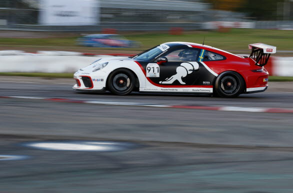Porsche Sverige bekräftar idag att satsningen på gästförare i Porsche Carrera Cup Scandinavia fortgår under säsongen 2020. Först ut att köra den välkända gästbilen, en Porsche 911 GT3 Cup med startnummer 911, är Rasmus Lindh som följs av Tom Blomqvist och Dennis Hauger.